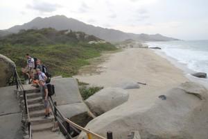 Gåtur langs kysten av Tayrona Park (Foto: Tarjei)